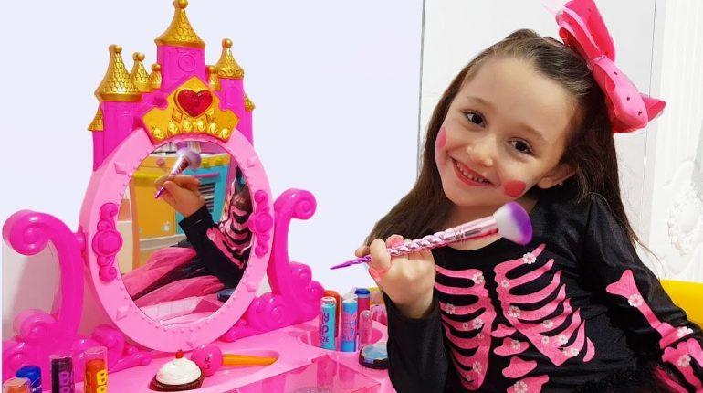 Öykü Pretend Play Dress Up and Make Up Toys - Princess Party Prep...