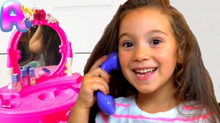Anna Pretend Play Dress Up & Kids Make Up Toys
